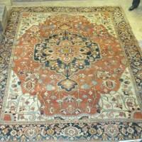A Heriz large woollen carpet Hammer: £1250