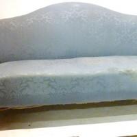 A George III mahogany  hump-back settee  Hammer: £3600